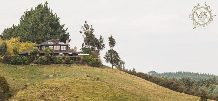 Bella Vista, Tauranga, NZ. Musae Studios » Award Winning Destination Auckland Hamilton Tauranga Rotorua Wellington Wedding Photographers | Celebrant » Hazel & Steven