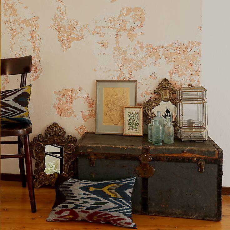Schulze London interior design. #wunderkammer #trunk #mirror #crystal #cartierlamp #design #ikat #schulzelondon #london #antique #vintage