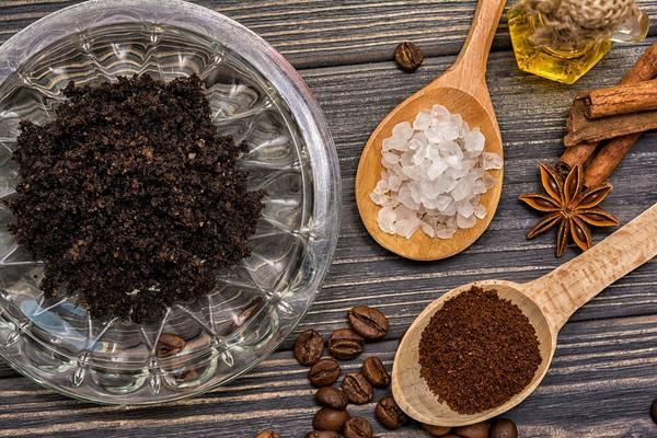The 5 Best Face Masks You Can Make At Home Did you know that you can make your own beauty face masks at home using ingredients found in your kitchen? Not only is it fun to make homemade face masks but th