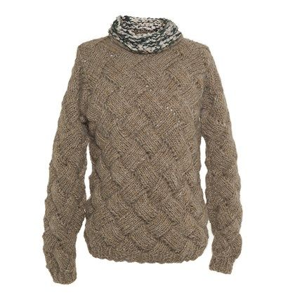 Sweater with contrast neck intralace