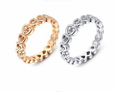 Se vores store udvalg af sjove, unikke, simple og skønne smykker, priser fra 19 kr.
