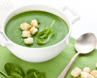 Soupe froide d'épinards et avocat : http://www.fourchette-et-bikini.fr/recettes/recettes-minceur/soupe-froide-depinards-et-avocat.html