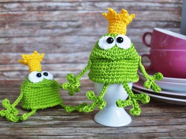 Häkle Dir jetzt einen Froschkönig als Eierwärmer. Damit bleiben die Eier immer schön warm +++ der Eierwärmer ist richtig dekorativ. Probiers gleich mal aus.