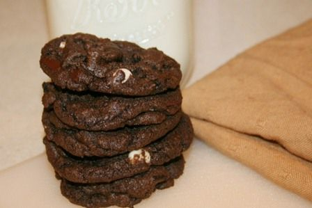 Triple Chocolate Oreo Chunk Cookies Recipe — Dishmaps