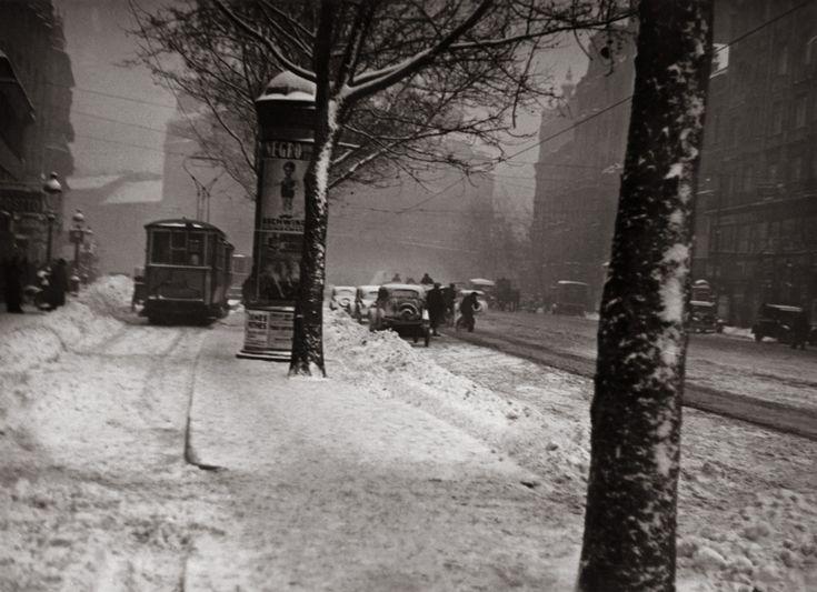 Fotó: Szöllősy Kálmán: Havas utca, 1930-as évek, 17×23,5 cm © Magyar Nemzeti Múzeum Történeti Fényképtár