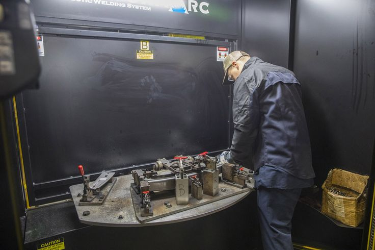 Tips to optimize the robotic weld cell @MillerWelders http://weldingproductivity.com/article/cell-strategy/