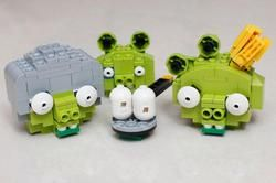 Yet Another LEGO Angry Birds ... don't forget the pigs!
