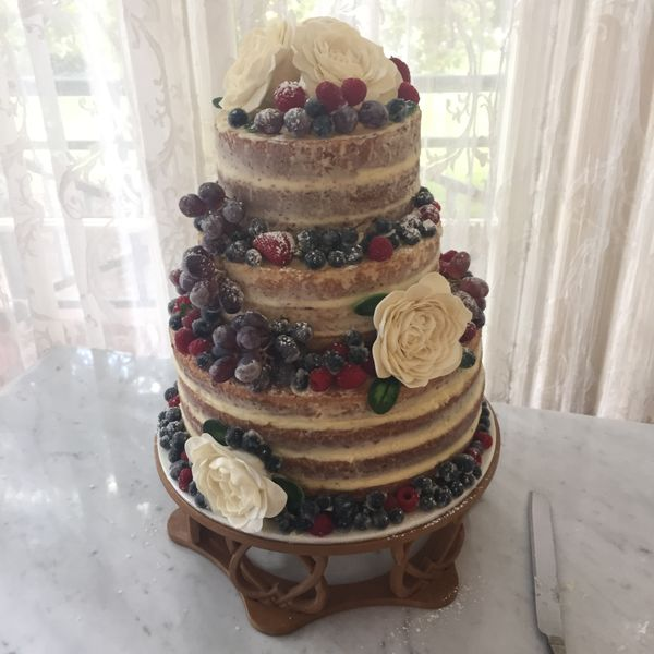 We make cakes to cater for all your special occasions. If you have an idea or a picture of the cake you want, we'll make it for you. We'll can also recommend or
