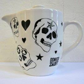 Teapot prints designed by Donker Zwart and hand silkscreen printed.