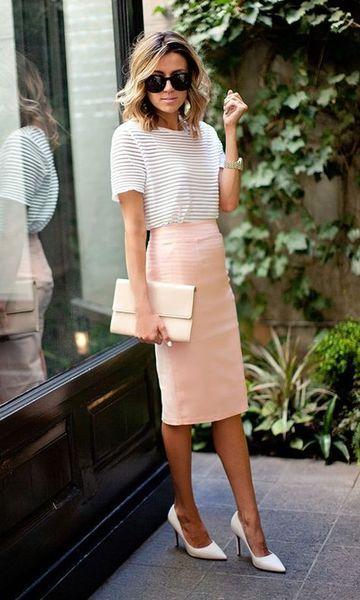 Look T-shirt + Saia Lápis Mídi | Roupas de trabalho femininas, Ideias fashion, Roupas de trabalho para o verão