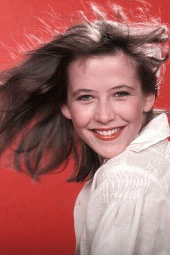 Portrait de Sophie Marceau en janvier 1985 à Paris, France.