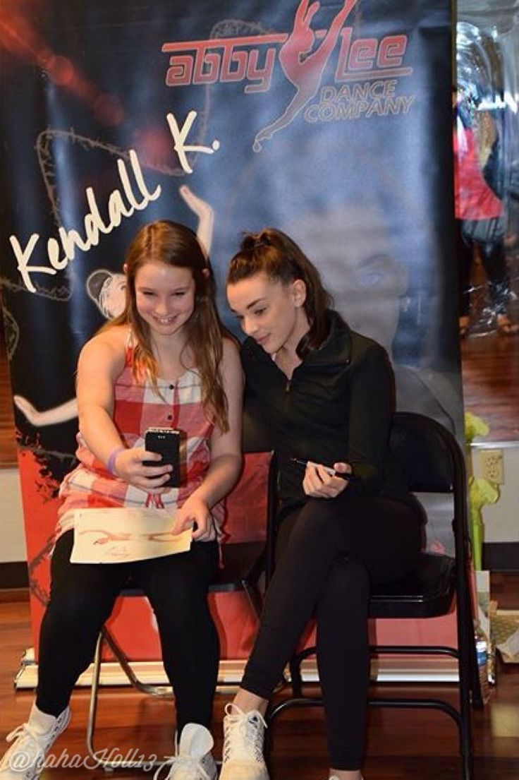 15 best the girls with fans images on pinterest meet dance and added by hahah0ll13 dance moms at nashville meet and greet credit music city m4hsunfo Gallery