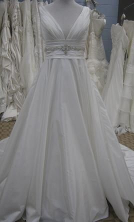 Sample Allure Wedding Dress Size 12  | Get a designer gown for (much!) less on PreOwnedWeddingDresses.com