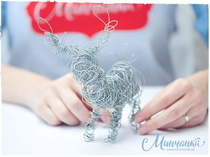 Wire-art New Year deer