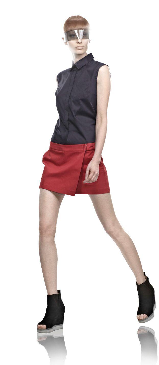 Красные шорты VASSA Liquid Sky Collection SS 2013 photo by Stefan Ungaru  Васса - ведущий российский дизайнер сегмента pret-a-porter  #fashion