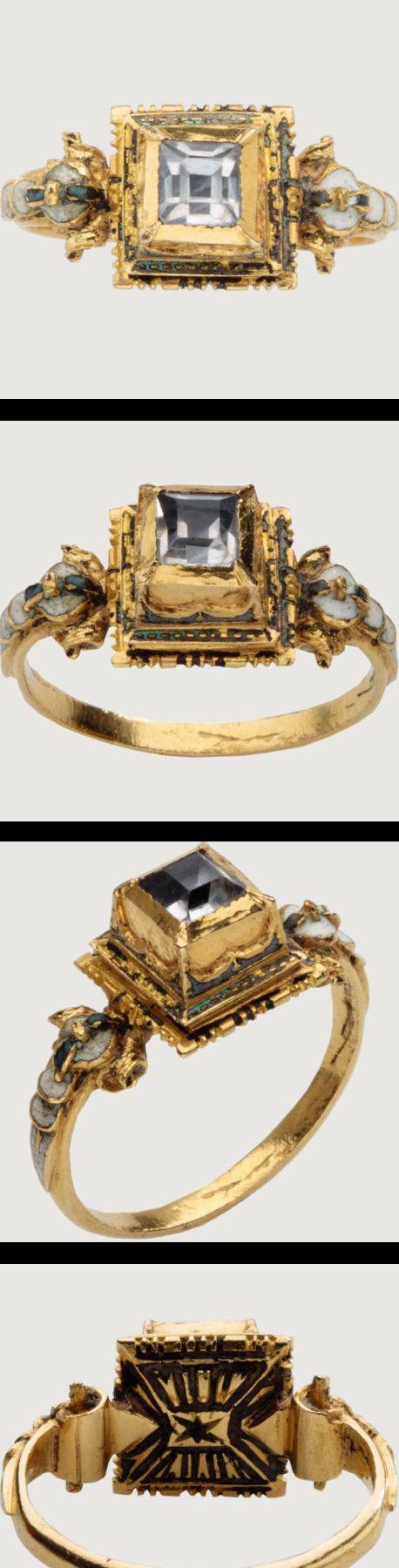 RENAISSANCE MARRIAGE RING Western Europe, c. 1600-1620 Gold, diamond and white enamel.