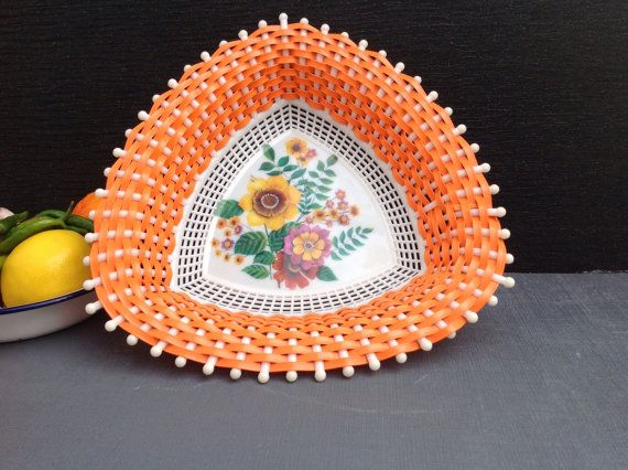 1960's woven Fruit or Bread Basket with by Onmykitchentable