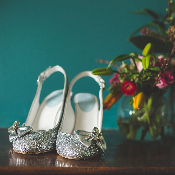 Colour is always a good idea particularly when it comes to wedding inspiration.  Check out our latest collaborative effort featuring Melrose in silver glitter. The shoot was styled by @theweddingspark at the stunning @ringshall_grange_suffolk the colours are so vivid and gorgeous.  Our amazing team were @lucy_cant_dance @kirstymackenziephotography @sprigsandstems @hollyreeslondon what a great day.  #merleandmorris #bridalshoes #alternativebride #bridalstyle #bridetobe #bohobride…