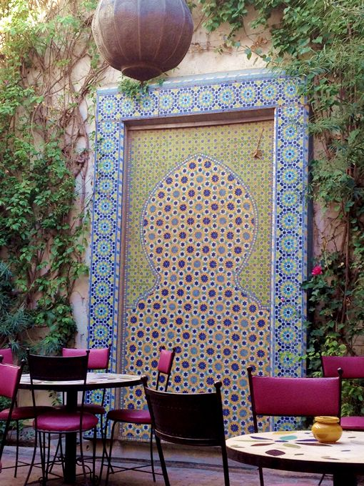Cafe Bougainvillea the perfect meeting place for those lost in the souks! | A Curated World by Kay McGowan