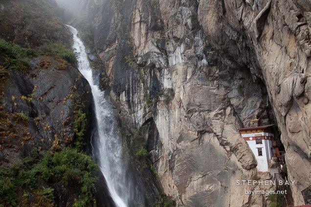 Resultado de imagem para taktsang monastery