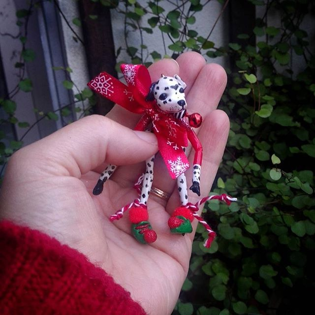 I have amazing customers... some keep coming back... by doing so, they make me grow in every way. Patricia is one of those kind persons, she just bought me a Zebra, from my Christmas series ... because I'm so grateful, I thought, ''what animal can I give to a dog lady, that goes well with a zebra?... Surprise! #dog #dalmatian #Christmas #miniature #puppet #marionette #BlackCatCreativeStd  #Etsy