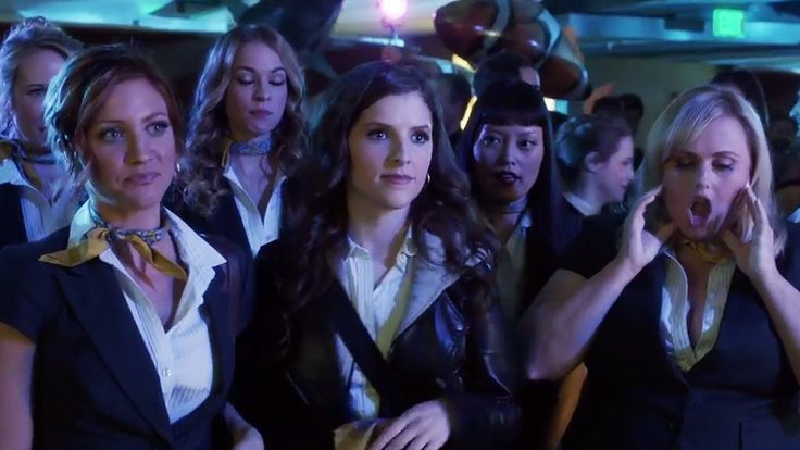 The Bellas Reunite One Last Time in FINAL Pitch Perfect 3 Trailer - YouTube