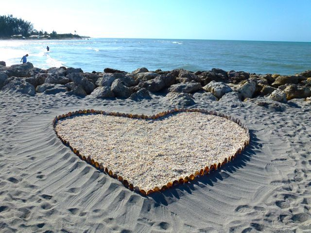 I Love Captiva Island Florida That An Artist Made Shell Beach Art Like This Piece At The Entrance To Blind P