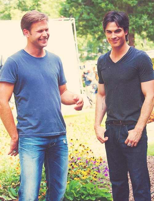 Matthew Davis and Ian Somerhalder i think i just died of beautifulness..