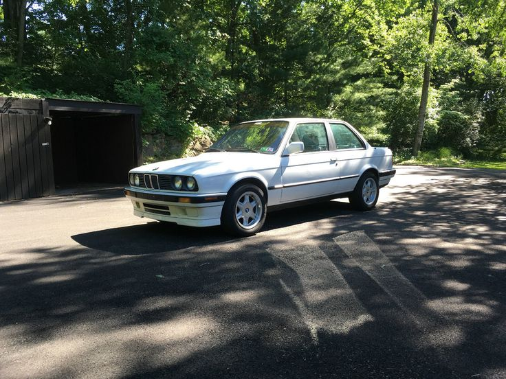 Car brand auctioned:BMW: 3-Series IS 1991 Car model bmw 318 is e 30 low miles rust free original paint rare slick top