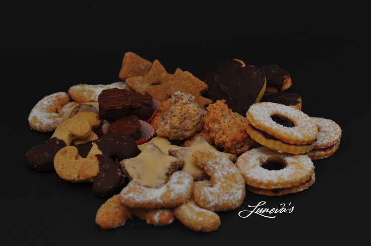 Here they are! The 2016th #Christmas #cookies #collection!  (vegan option to follow)  - #Vanilla #Crescents - Butter Cookies - #Cinnamon #Stars - #Jelly Rings - #Coconut #Macaroons - #Almond #Truffles - #Speculatius - #Ginger #Bread  Photo credit: Michael Franz