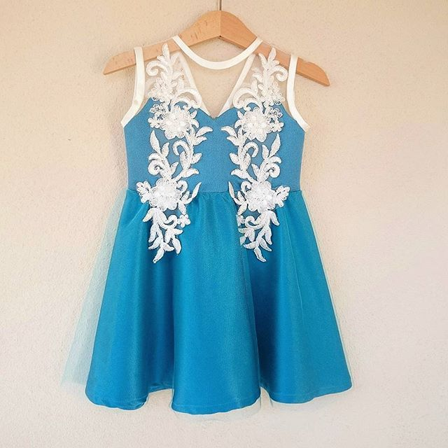 Elbiselerimizi kişiye özel olarak dikiyoruz👧👧👧 Farklı renk ve modeller için bize mail ya da direct mesaj yoluyla ulaşabilirsiniz.📝 #loola #atolyeloola #elbise #bebek #cocuk #mevlut #dogumgunu #annekiz #dantel #etek #tutu #mavi #babycouture #kidscouture #kids #baby #babyshower #blue
