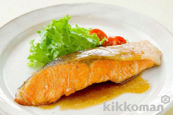 鮭のムニエルのレシピをご紹介。鮭を使って簡単お手軽に調理できます。炒め物や煮物から揚げ物まで様々な献立レシピを簡単検索!お弁当や健康(ダイエット)レシピもご用意しています。キッコーマンのレシピサイト【ホームクッキング】