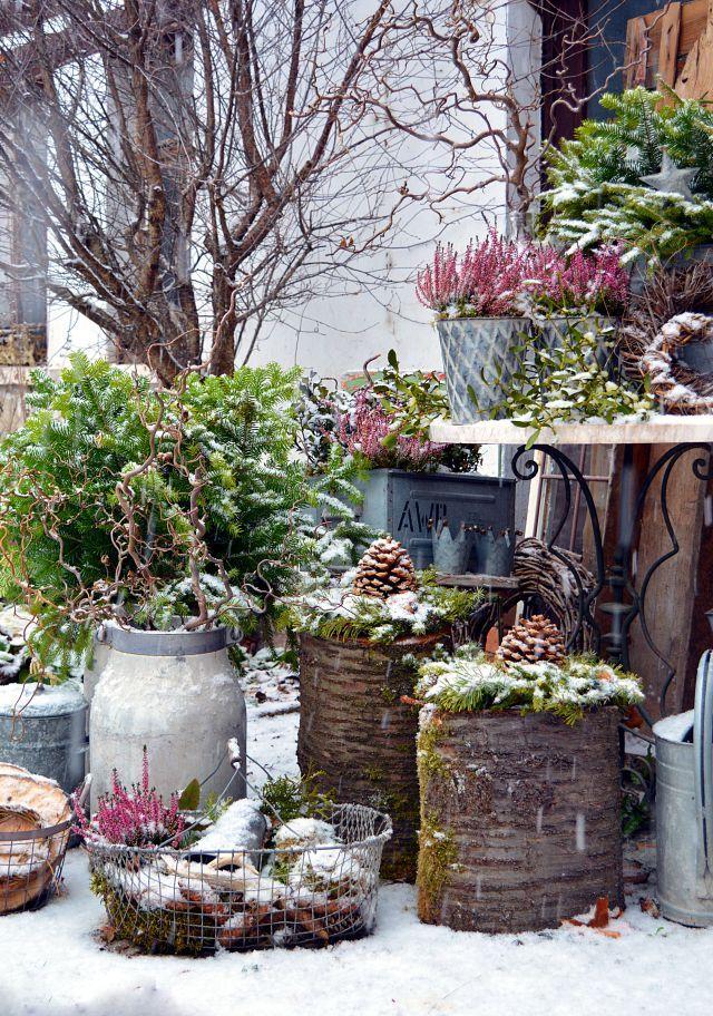 Endlich Schnee Weihnachtsdeko Im Garten Vintage Gartendekoration Weihnachtsdeko Draussen