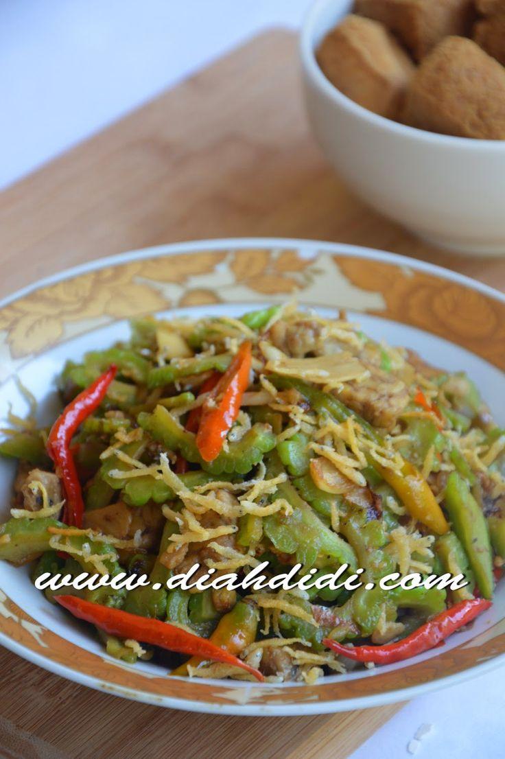 Diah Didi's Kitchen: Tumis Pare & Tempe Semangit Tabur Teri Nasi