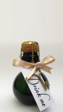 The world's smallest bottle of Champagne - Wedding Favours