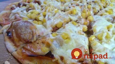 Toto vás zachráni vždy, keď vás prepadne chuť na domácu pizzu: Bleskové hrnčekové cesto bez čakania!