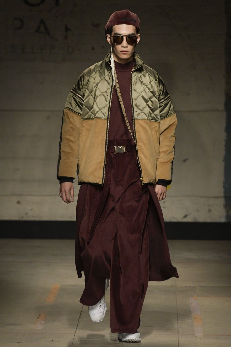 Astrid Andersen Fall 2017 Menswear Fashion Show - clothings that your girlfriend would not mind sharing with you.
