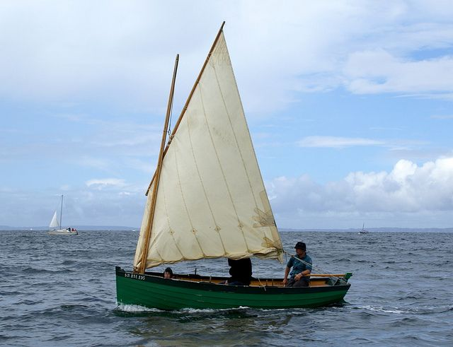 Ilur Lugsail by Clint Chase Boatbuilder, via Flickr | Wind | Pinterest | Photos