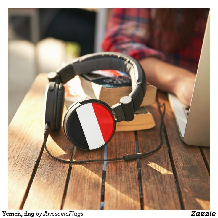 Yemen, flag headphones