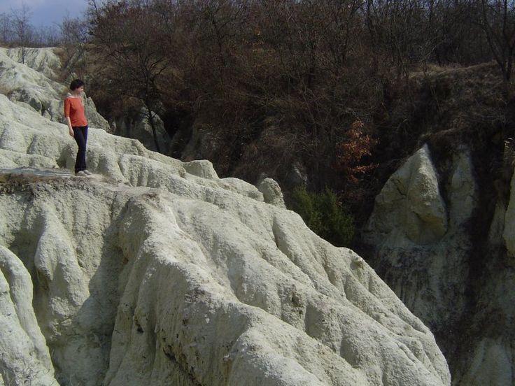 kirandulababa.hu   Kazár, riolittufa   KarancsMedves, HevesB. dombság