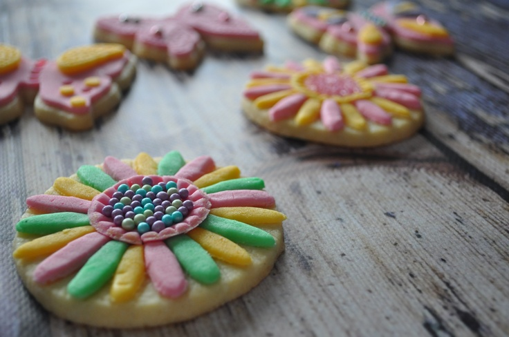 """Hello spring!"" cookies"