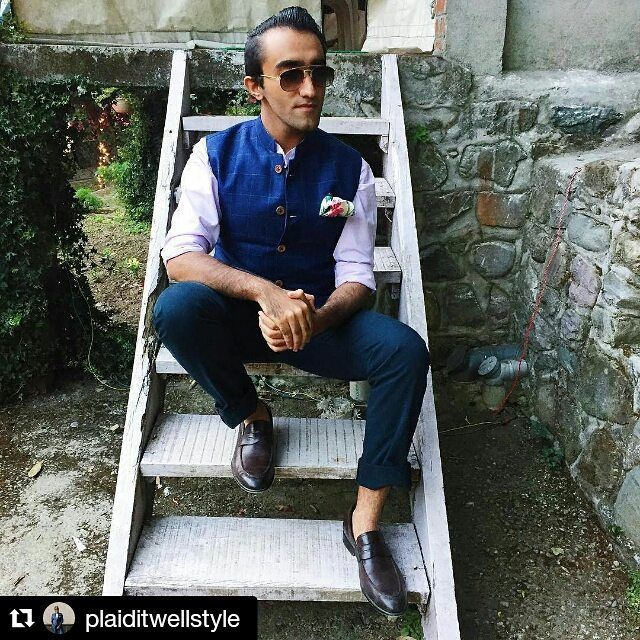 Style blogger Sarthak Raswant in our linen Nehru jacket.  #Repost @plaiditwellstyle with @repostapp ・・・ At my work-wife @Anushreeeee's beautiful winter wedding in Naukuchiatal ❤️✨ Wearing my bespoke Indigo Nehru Jacket & Shirt by @MrFox.in & Penny Loafers by @HidesignHQ  #plaiditWORE #bespoke #menswear #mensfashion  #mensstyle #ootd #wiwt #fashion #style #instafashion #vsco #vscocam #dapper #swag #cool #delhi #l4l #f4f #mumbai #indianfashionblog #fashionblog #fashionblogger #igers…