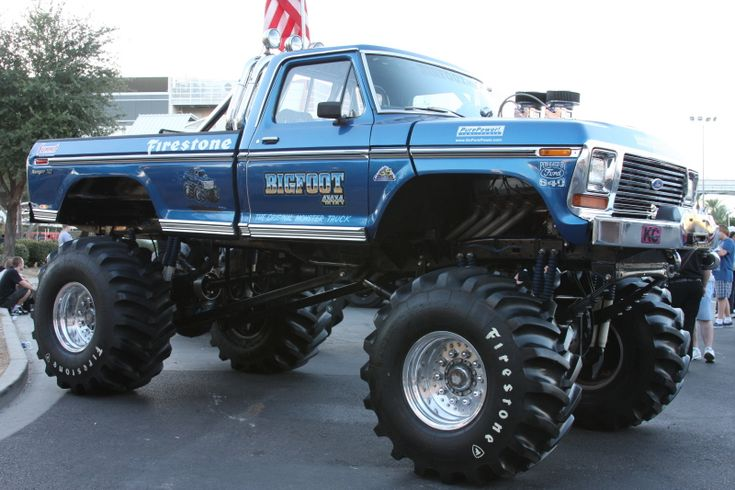 17 best images about bigfoot monster truck on pinterest cars four wheel drive and trucks. Black Bedroom Furniture Sets. Home Design Ideas