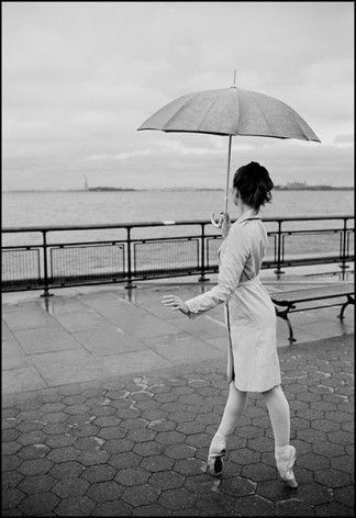 AH! Must try. But not in the rain... I don't want my pointe shoes to get wet -_- Definitely with the umbrella though. love it :)