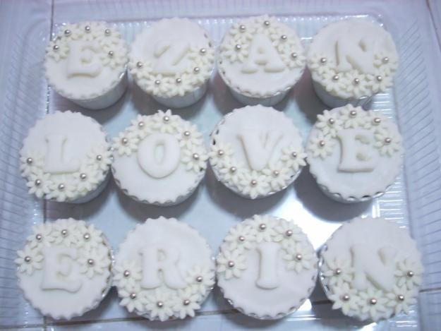 Google Image Result for http://images04.olx.com.my/ui/6/65/30/1274890763_96266530_1-Pictures-of--HOMEMADE-CUPCAKES-CAKES-MUFFINS-COOKIES-1274890763.jpg