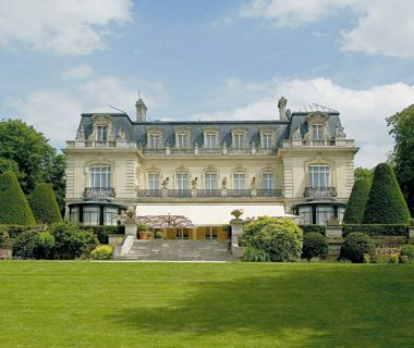 New Hot Spots in Champagne, France. If you like Champagne, This is  of the best day trips you can take from Paris.