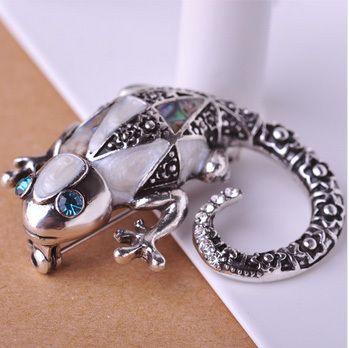 Купить товарБутик юбилейные ювелирные изделия оболочки брошь женщин лучший старинное серебро…