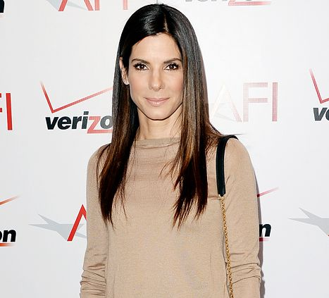Sandra Bullock Helps Save Fainting Extra on Her New Orleans Movie Set - Us Weekly
