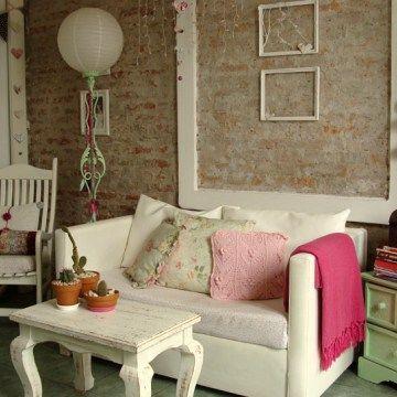 Cristina, Federico, Francisco y Lola. Casa de dos pisos con tres habitaciones, jardín y taller al fondo en General Pacheco, Provincia de Buenos Aires.
