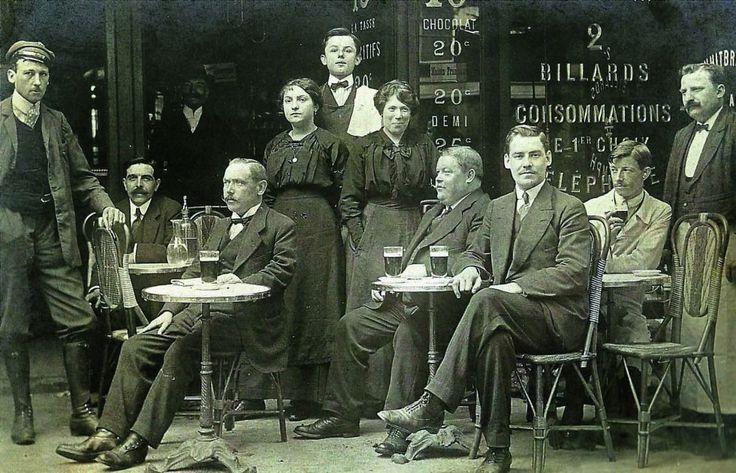 Café parisino de 1900.
